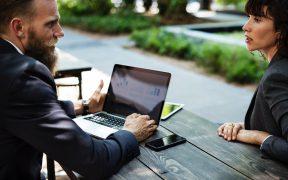 jak język korporacyjny może wpłynąć na efektywność pracy